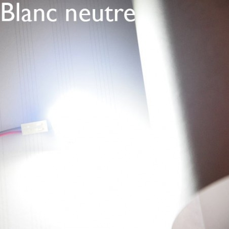 Eclairage LED blanc neutre allumé