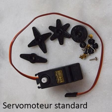 Servomoteur standard avec ses accessoires