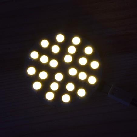 Lumière LED 12V 6W blanc chaud allumée